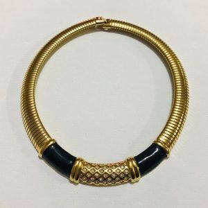 MONET BLACK AND GOLD CIRCLE NECKLACE